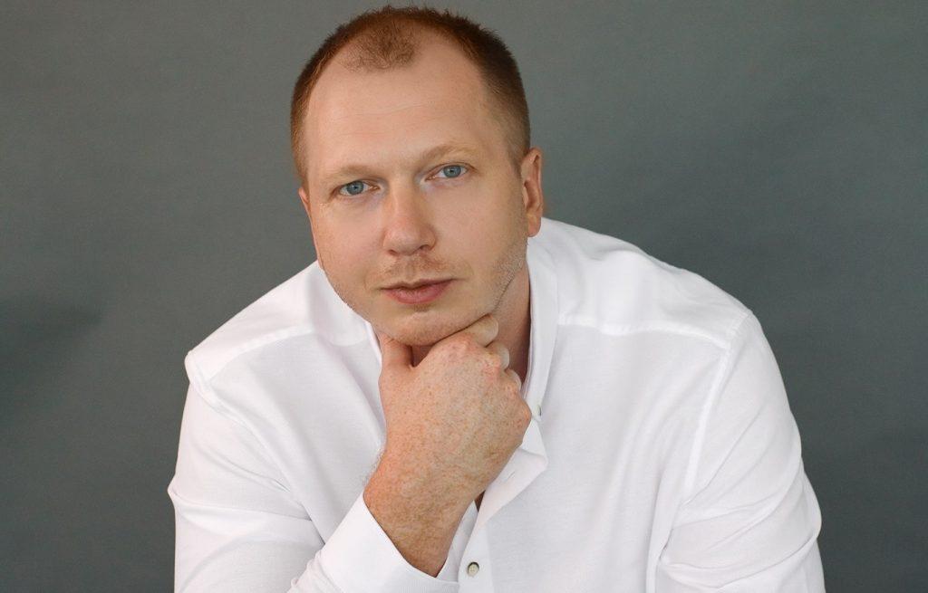 Кандидат від «Батьківщини» будує свою кампанію на ідеях ЛГБТ-руху. Що скаже Тимошенко?