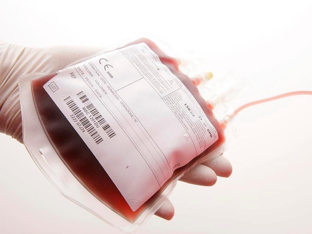 Гомосексуалістам і наркозалежним заборонили бути донорами крові в Україні