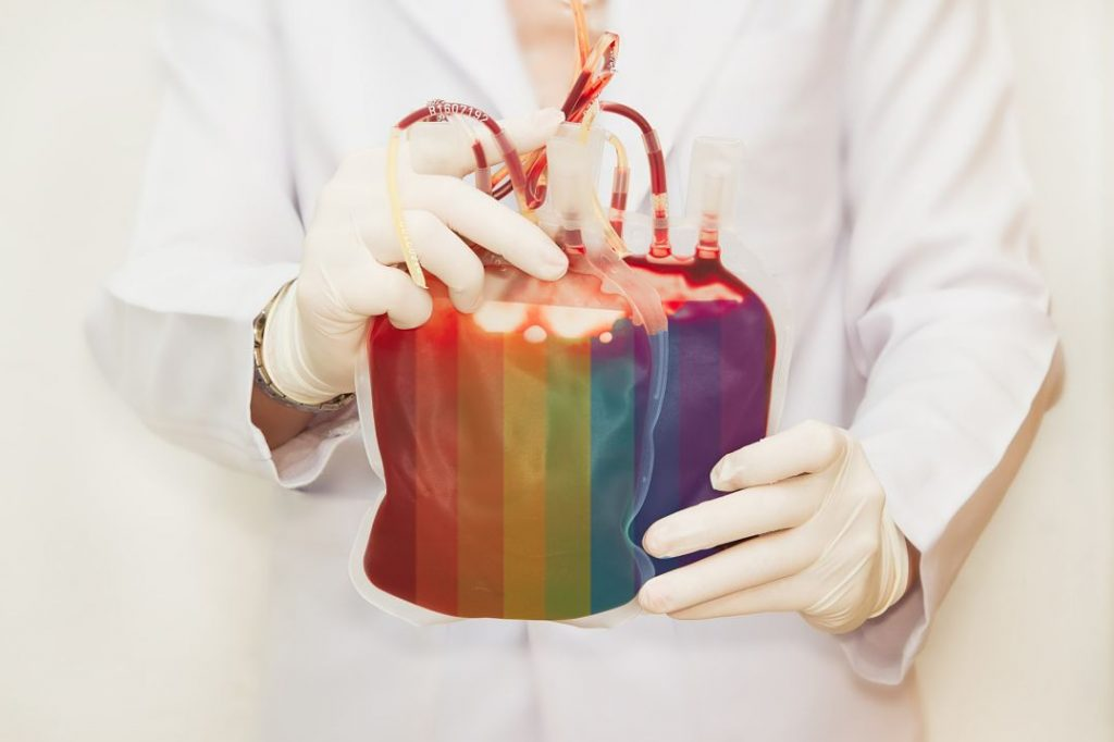 Інфікуватися на ВІЛ у медзакладах стало простіше: гомосексуалістам дозволили бути донорами крові