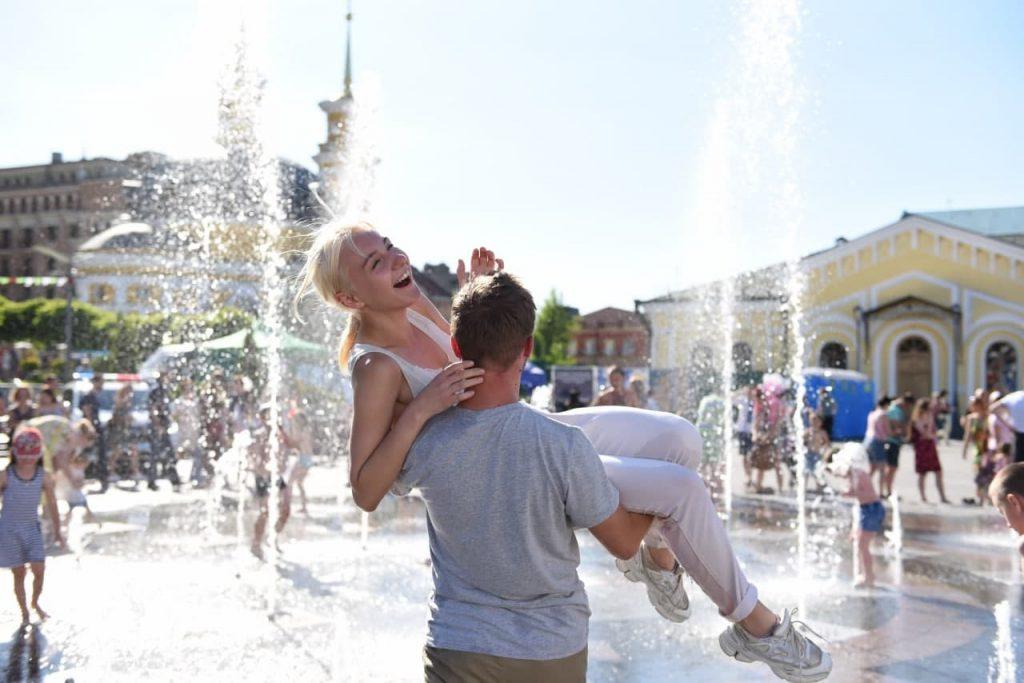 """Від побачень до планування сімейного бюджету: """"Школа подружнього життя"""" запрошує на навчання у Києві"""