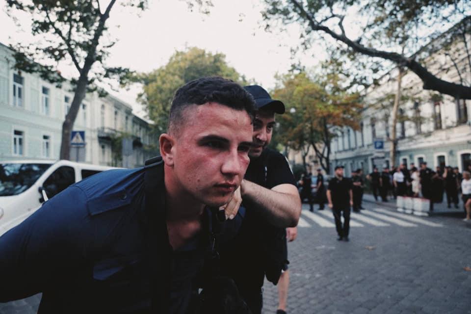 Два місяці домашнього арешту за просімейні погляди. Як поліція «прибирає» незручних перед київським гей-парадом
